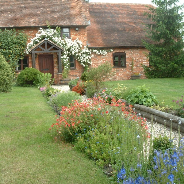 Housesitting assignment in Tadley, Hampshire, UK