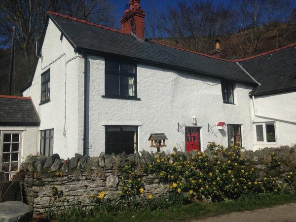 Housesitting assignment in Glyn-Dyfrdwy, United Kingdom