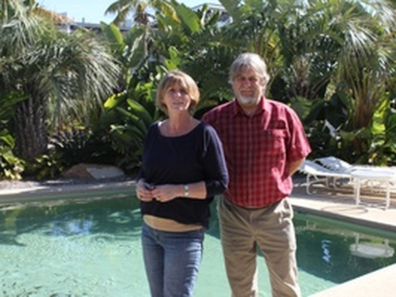 house sitters from Australia - Maureen and George