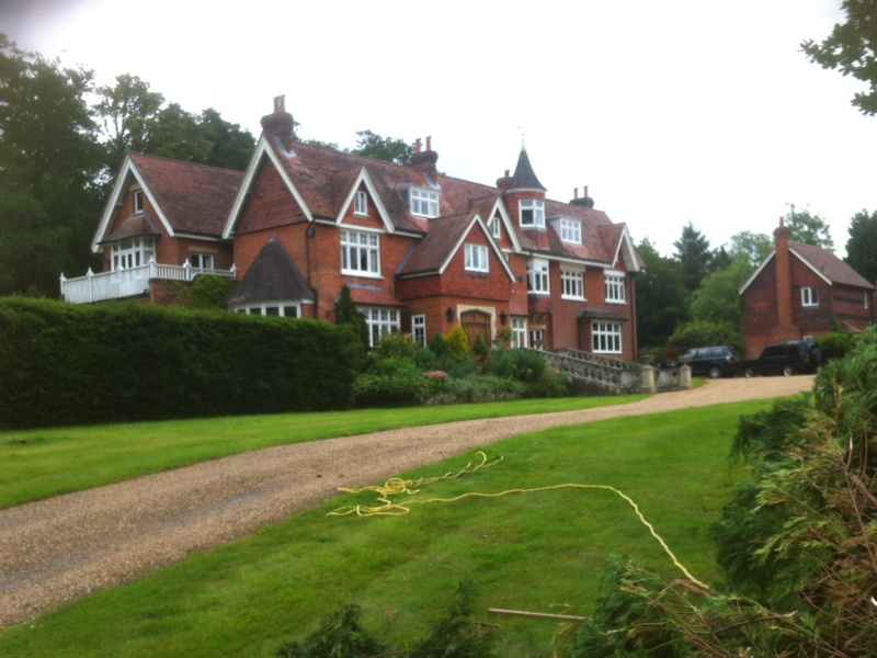 Your Accommodation Will Be A Self Contained Cottage Set In The Beautiful Countryside On 10 Acres With Lakes And Only 2 Miles Away From Town You Can Apply