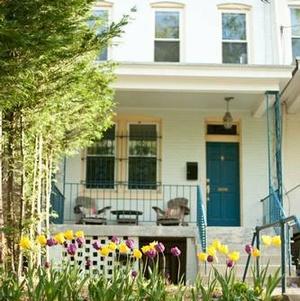 House sitting job - Washington, D.C., DC, United States