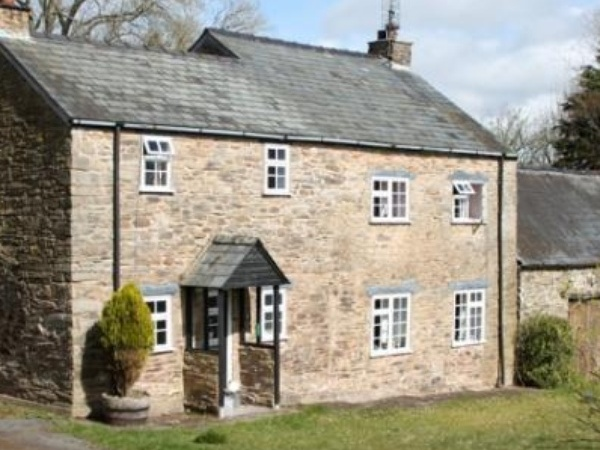 Housesitting assignment in Llandefalle, United Kingdom