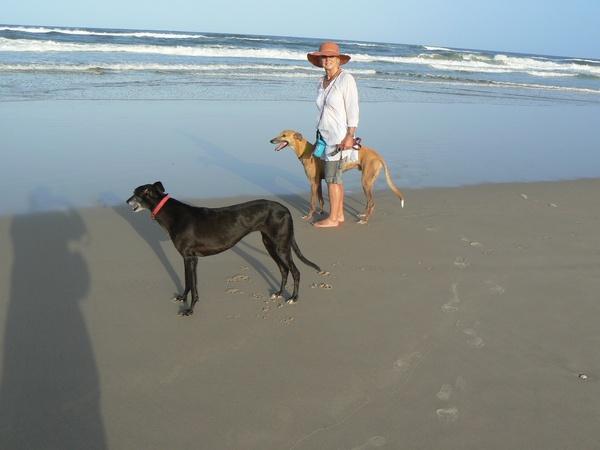 Lynda and ian & Ian from Redlynch, QLD, Australia