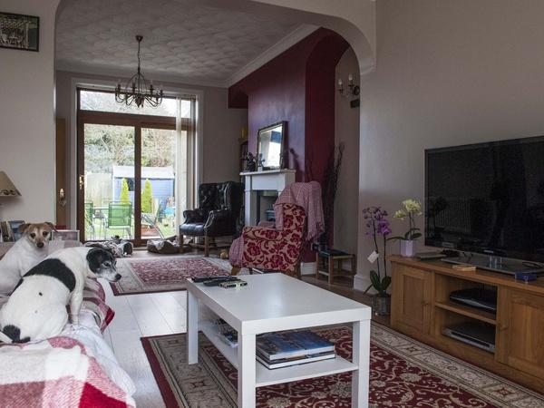 Housesitting assignment in Hirwaun, United Kingdom