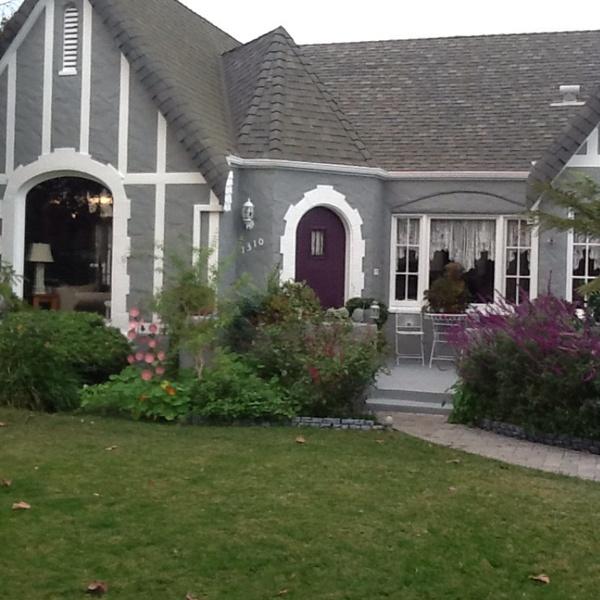 Housesitting assignment in County Ln, Santa Ana, CA 92705, USA