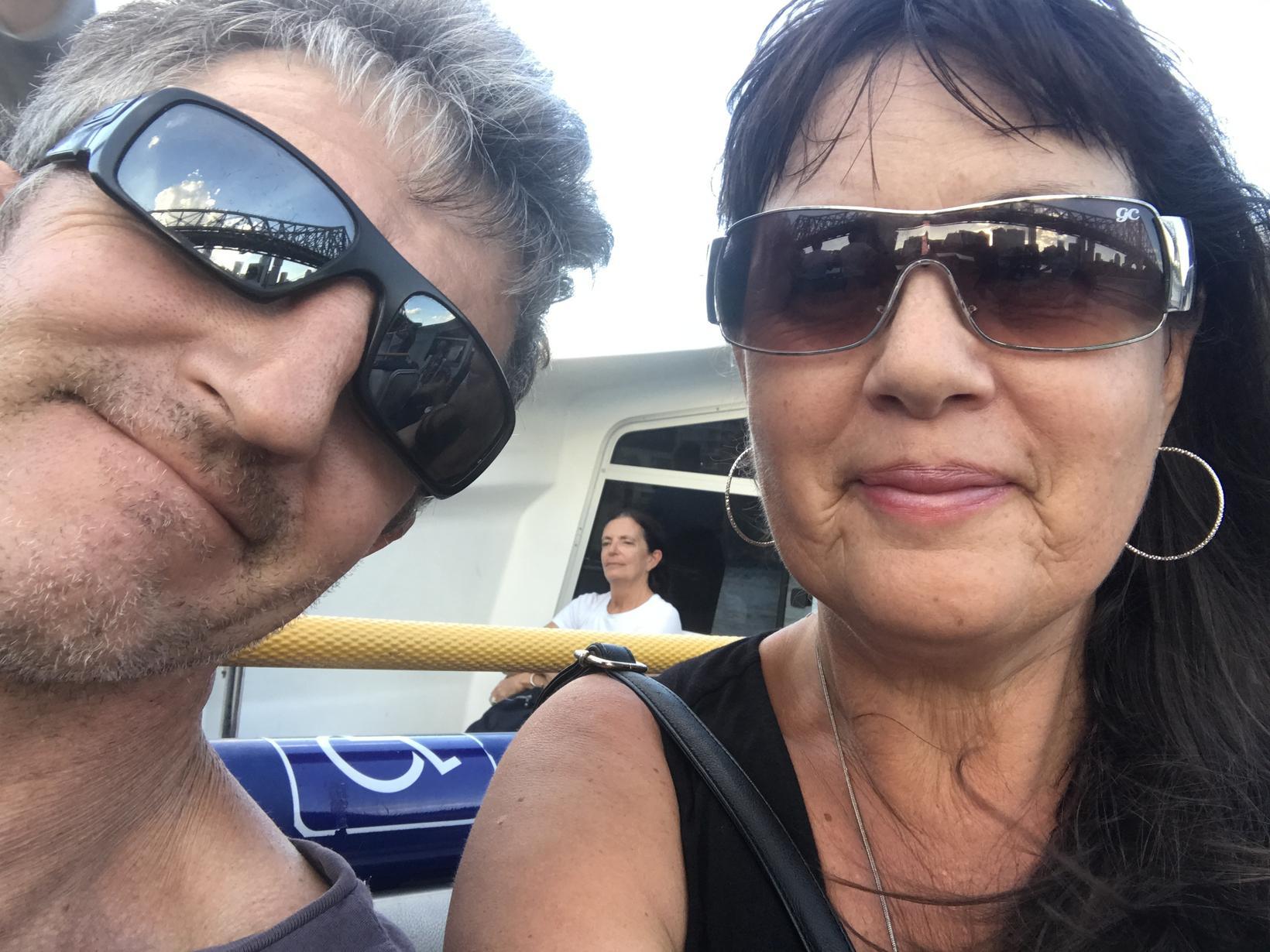 Sharyn & Leon from Balmoral, Queensland, Australia