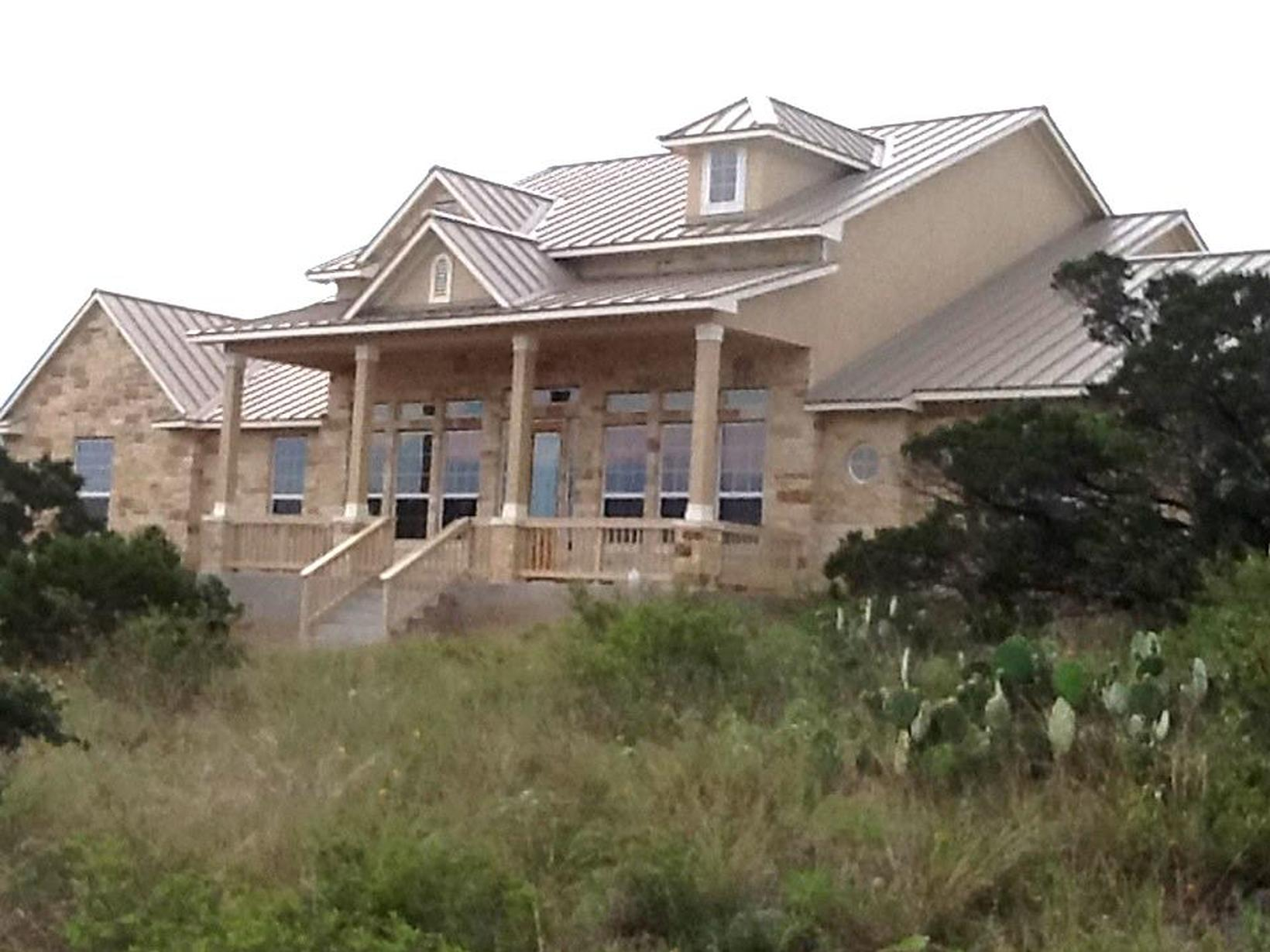 Housesitting assignment in Helotes, Texas, United States