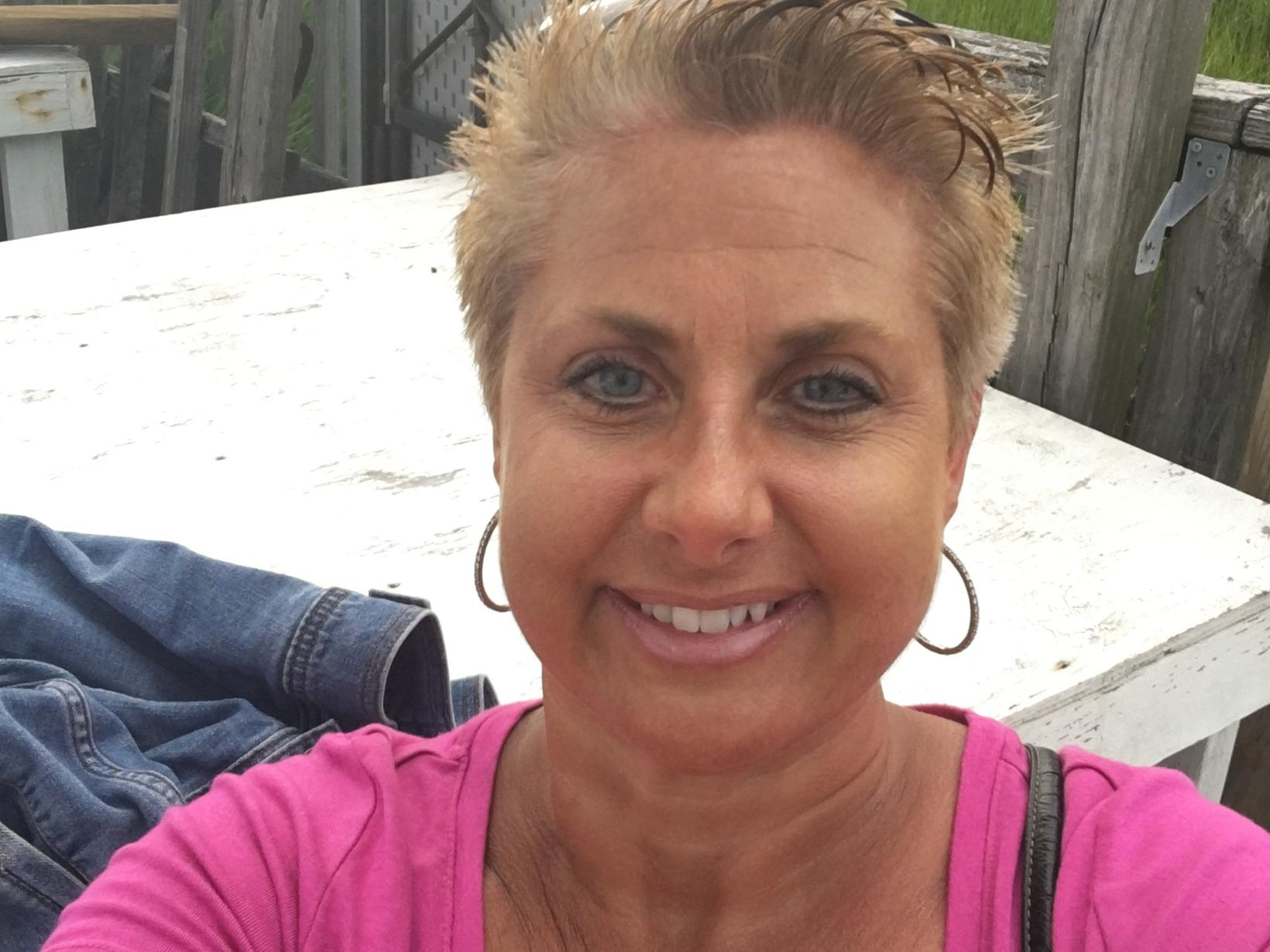 Laurie from Danbury, Connecticut, United States