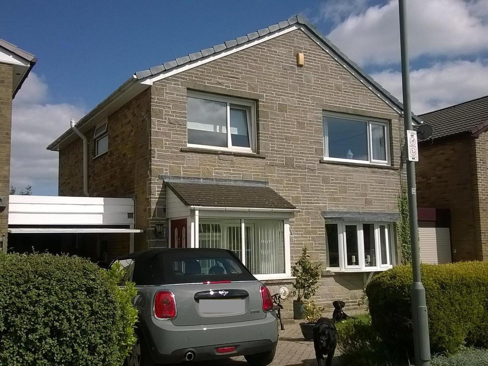 Housesitting assignment in Golcar, United Kingdom