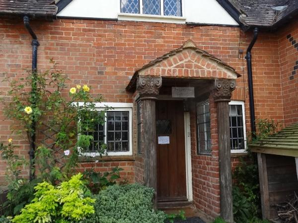 Housesitting assignment in Thame, United Kingdom