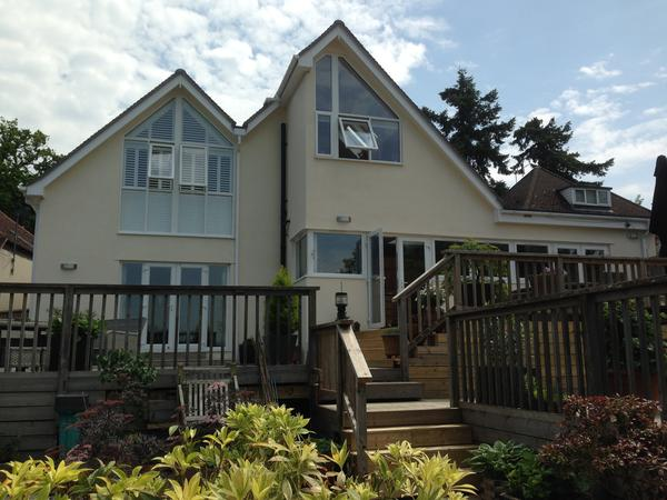 Housesitting assignment in Wrecclesham, United Kingdom