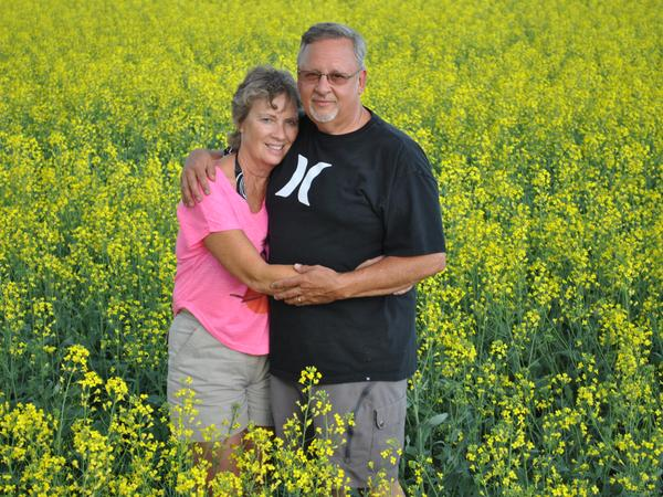 Larry & Ruth from Innisfail, AB, Canada