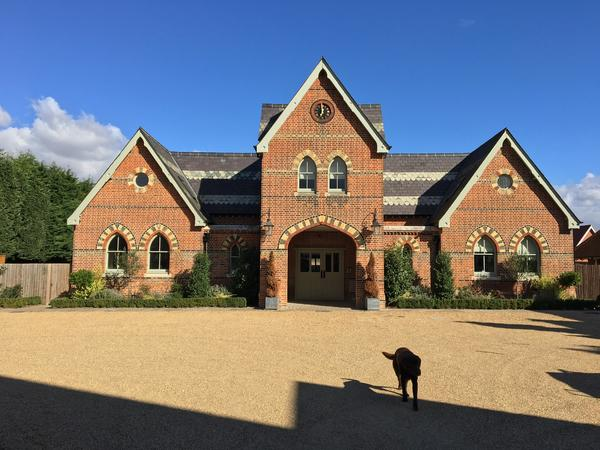 Housesitting assignment in Brentwood, United Kingdom