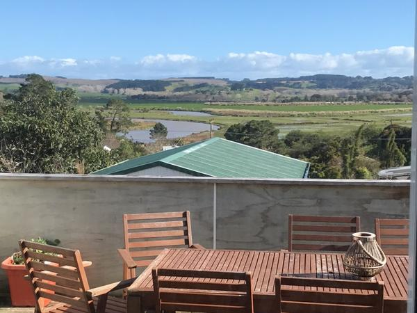 Housesitting assignment in Helensville, New Zealand