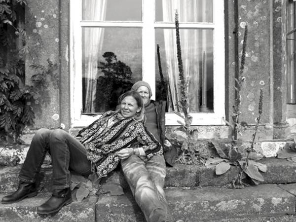 Fern & Jono from Godalming, United Kingdom