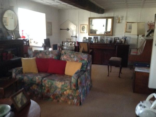 Housesitting assignment in Aylesbury, United Kingdom