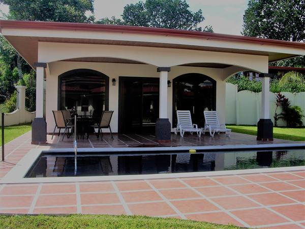 Gorgeous Casita with Pool in Atenas, Costa Rica with Cuddly Goldendoodles!