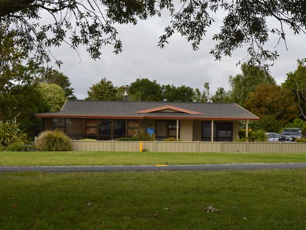 Housesitting assignment in Athenree, New Zealand