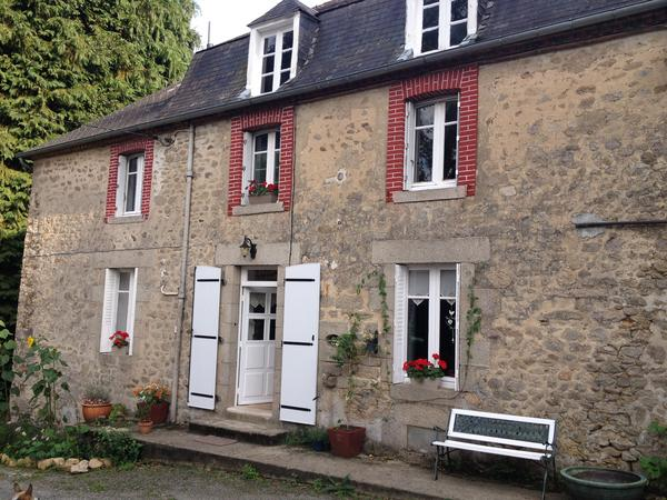 Animal lovers required for pet sitting in an 18th century rustic home in beautiful Central France