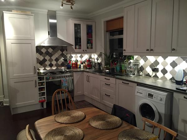 Leafy Zone 2 West London - 2 bed flat with 2 lovely cats