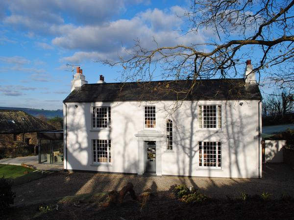 Caring and loving house and animal sitter wanted for beautiful home in Devon