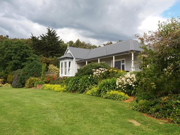 Housesitting assignment in Warrington, New Zealand
