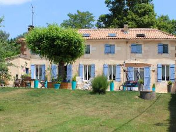 Housesitting assignment in Montguyon, France