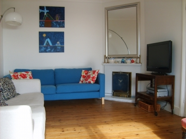 House sitter needed to look after 3 cats in seaview cottage