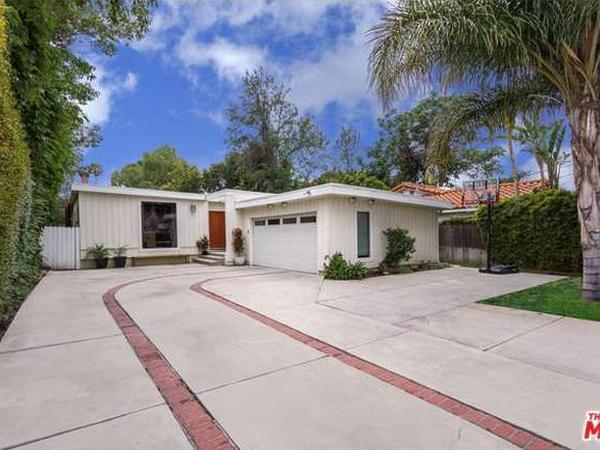 Housesitting assignment in Tarzana, California, United States