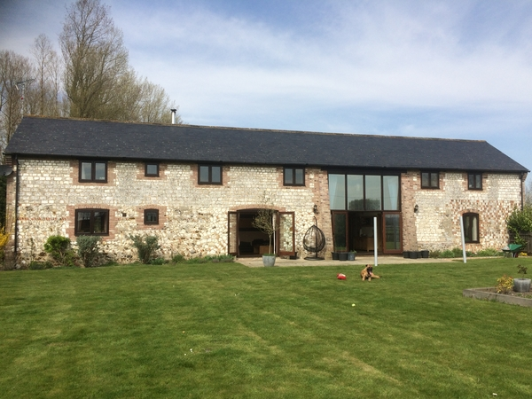 House and pet sit needed for 1 week in February 2017 for 1 dog and 3 very easy horses.