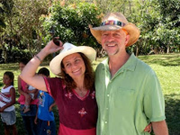 Jay & Caroline from Ecuador