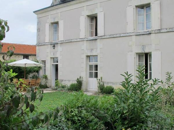 Housesitting assignment in Richelieu, France