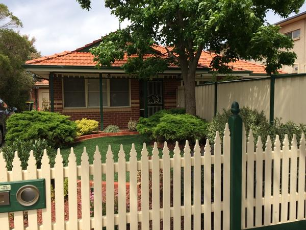 Housesitting assignment in Bentleigh East, Victoria, Australia