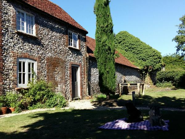 Housesitting assignment in Bradenham, United Kingdom