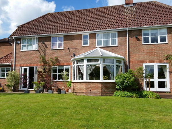 Detached house in Northampton next to Golf Course