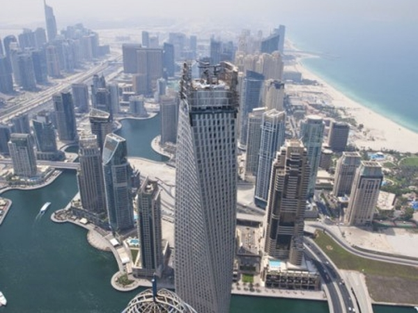 Two Cats Need Looking After in Dubai Marina!