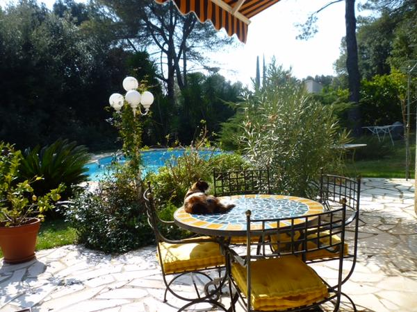 Housesitting assignment in Valbonne, France