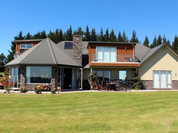 Housesitting assignment in Waianakarua, New Zealand