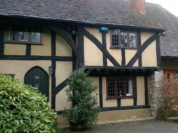 Beautiful Kentish Tudor cottage and happy dog and cats need carer!
