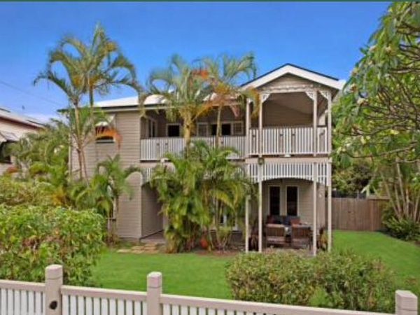 5 Bed Holiday Home In Sunny Brisbane - Cats + Pool
