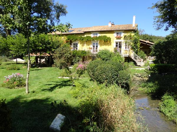 Housesitting assignment in Champagne-Mouton, France
