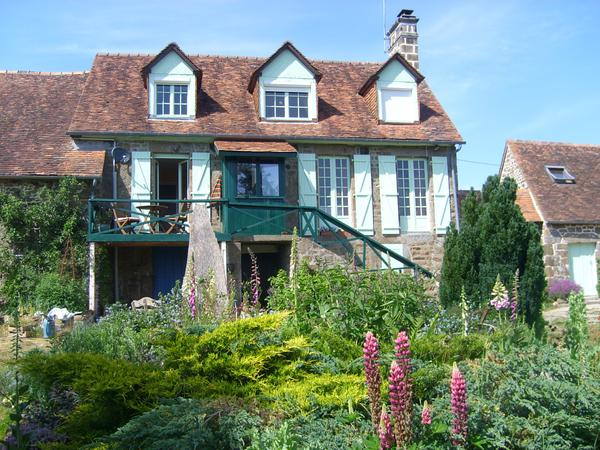 Housesitting assignment in Champsecret, France