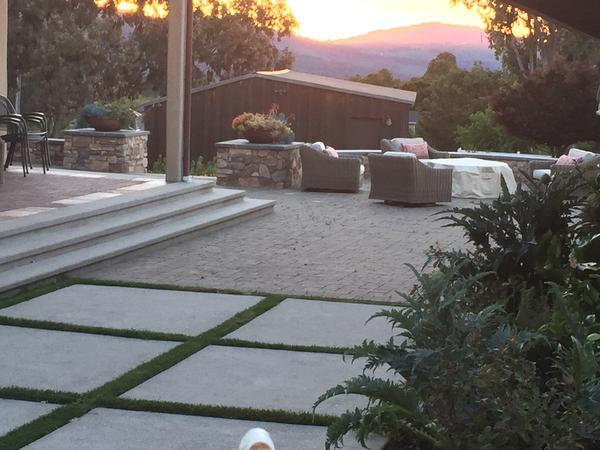 Cottage retreat on the hills of Northern California while caring for our outdoor cats