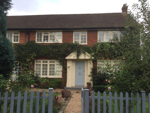 House-sitters needed in Esher over Christmas / NY
