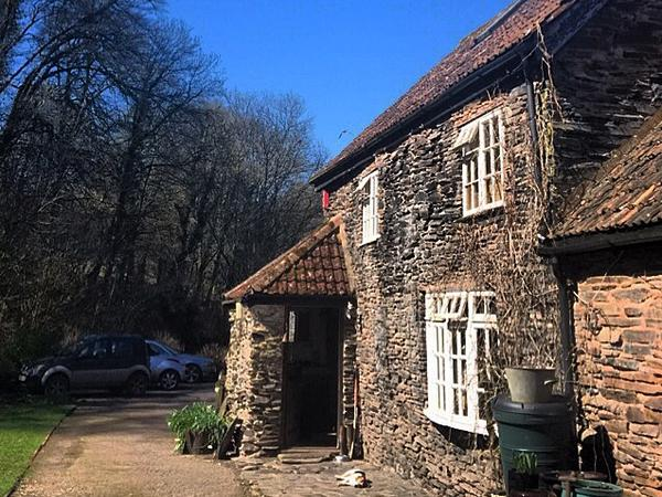 House and dog sitter required. Character riverside cottage in rural Somerset.