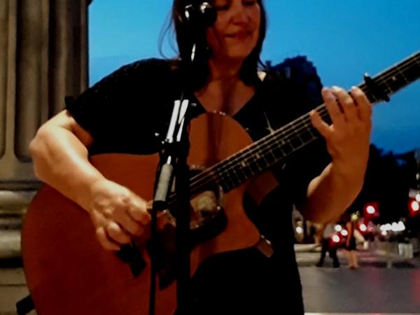 Kathleen from Bordeaux, France