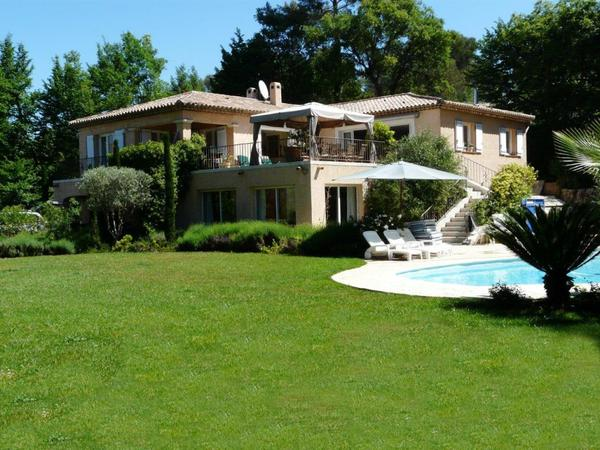 Housesitting assignment in Roquefort-les-Pins, France