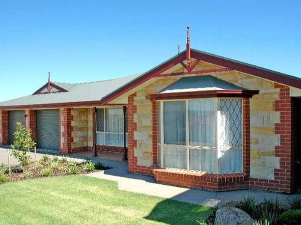 Housesitting assignment in Greenwith, South Australia, Australia
