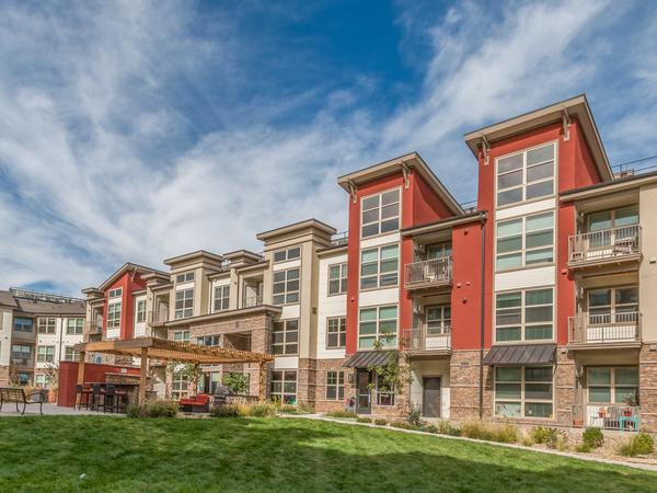 Beautiful Broomfield, Colorado with two Dachshunds!
