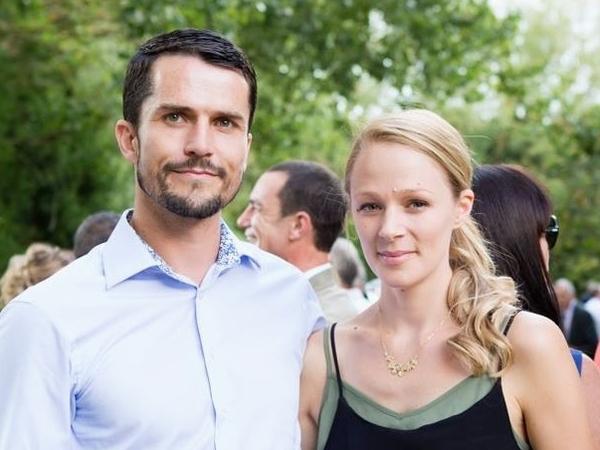 Kara & Mark from Sainte-Foy-la-Grande, France